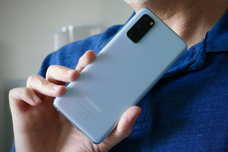 samsung-mulai-hapus-iklan-di-aplikasi-bawaan-ponsel